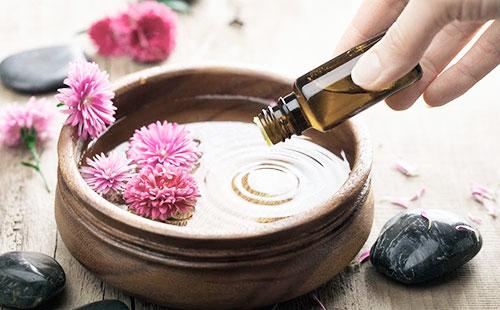 Как использовать кунжутное масло для лица при сухой, проблемной иувядающей коже