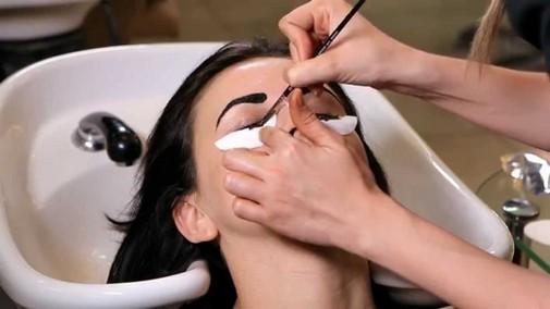 Окрашиваем брови хной — это полезно для здоровья и выглядит натуарльно и красиво