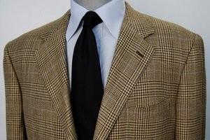 Как гладить пиджак – приводим одежду в чувство