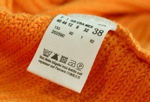 Как правильно гладить платье: советы для разных тканей