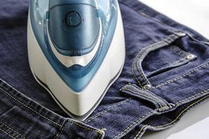 Как гладить джинсы – рекомендации по утюжке от опытных хозяек