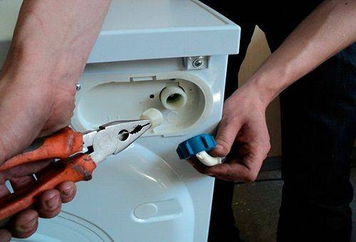 Почему стиральная машина набирает воду и сразу же сливает ее