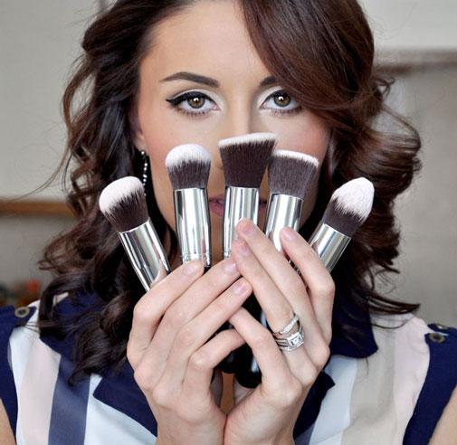 Кисть – важный инструмент для создания неповторимого макияжа