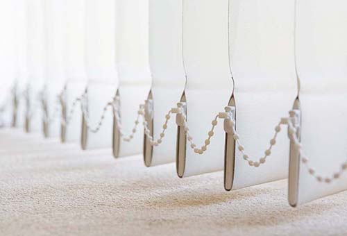 Как повесить и собрать горизонтальные и вертикальные жалюзи?